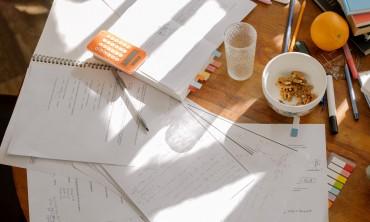 أفضل اربعة نصائح لكتابة المهام الأكاديمية الجيدة خالية من الإجهاد و التوتر