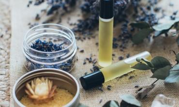 أهم خمسة استخدامات لزيت اللافندر المتطاير