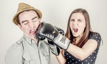 3 طرق الدفاع عن النفس للبنات