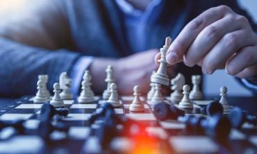 الذكاء والقوة .. هنا عالم الشطرنج
