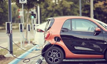 السيارات الكهربائية مستقبل القيادة